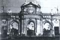 Cuando la Puerta de Alcalá «fue roja»