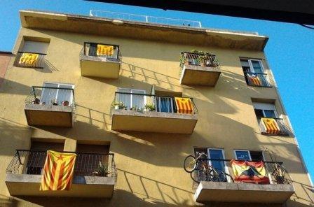 Este es el panorama urbano continuo y diario, porque el separatismo se ha impuesto en la sociedad catalana