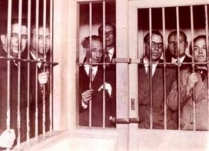 El Gobierno de la Generalidad (Companys en el centro) después de su rebelión del 6 de octubre de 1934
