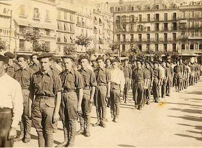 Primeros requetés en Pamplona
