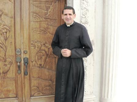 Padre Michael Rodríguez