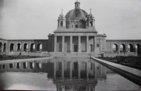 Monumento a los caídos en Pamplona