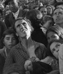 Mujer amamantando Don Benito