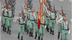 legionarios-desfilan