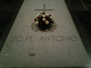 tumba-jose-antonio